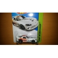 Hot wheels 2014 Dodge viper srt10 acr white