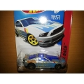 hot wheels 2014 13 ford mustang GT grey